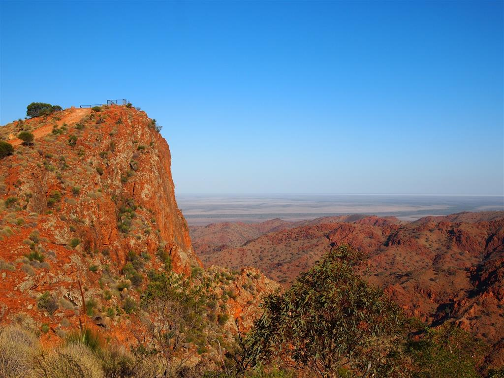 Arkaroola Wilderness Sanctuary - Sillers Lokout on the Ridge Top